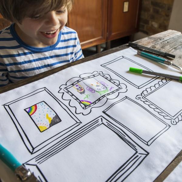 eat sleep doodle 4er Platzset frame zum bemalen mit auswaschbaren Stiften